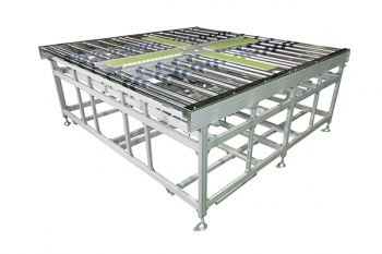 roller conveyor with turntable for glass