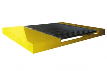 Roller conveyor for papermaking